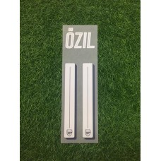2016 - 17  ARSENAL CUP HOME NAMESET OZIL